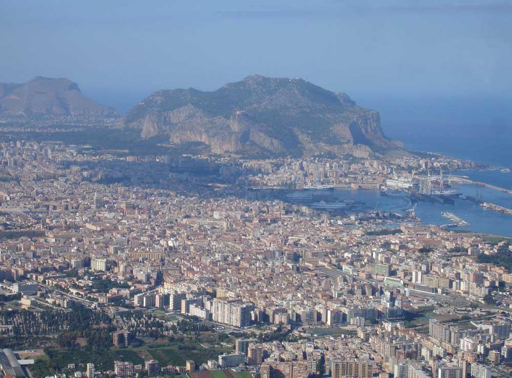 Pestaggio razzista a Palermo, feriti tre nordafricani